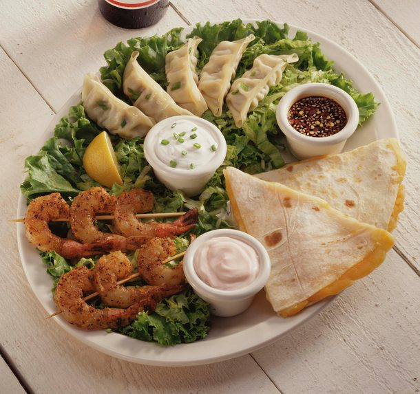 Shrimp and pita meal with spices