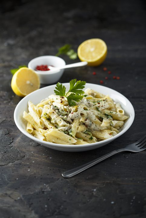 Pasta with olives and lemon sauce